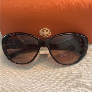 Tory Burch Accessories - NWT Authentic Tory Burch Sunglasses